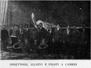 Direttore, allievi e piloti a Cameri